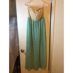 Dresses & Skirts - Strapless Cream/Mint Green Chevron Maxi Dress